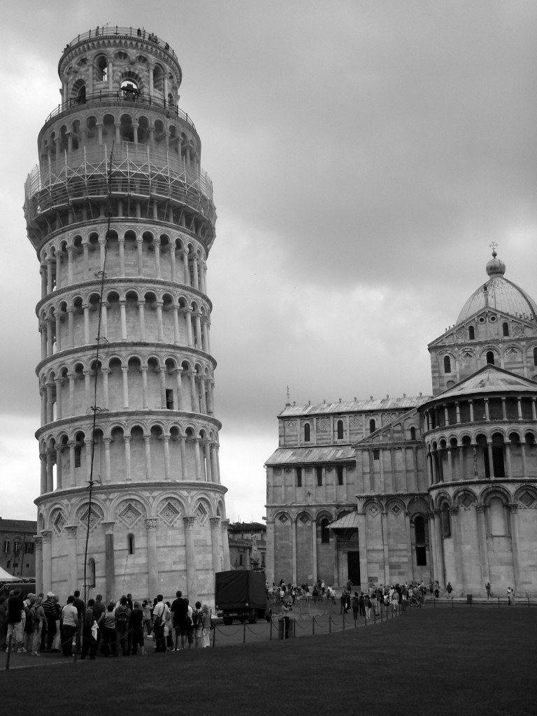 Leaning tower of pisa can you lend a hand travel tales of life - Leaning tower of pisa ...