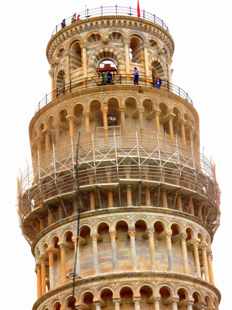 Leaning Tower Of Pisa Can You Lend A Hand Travel Tales Of Life
